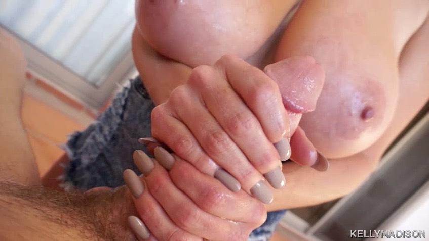 Kelly Madisons Tits